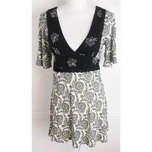 Ric Rac • Anthropologie Paisley V Neck Dress